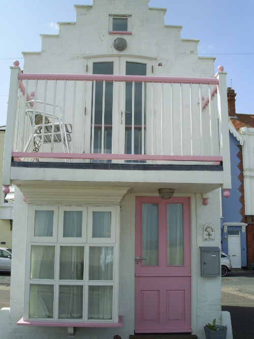 Aldeburgh - front view of the 'Dolls House'
