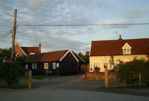 Blaxhall - Guest cottages at Ship Inn